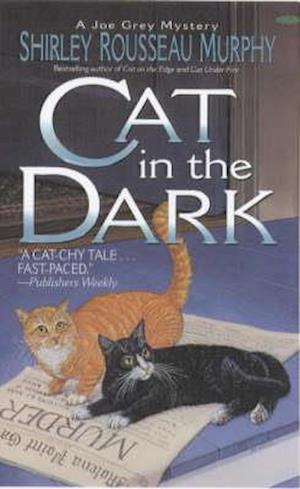 Cat in the Dark af Shirley Rousseau Murphy