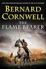 The Flame Bearer (Saxon Tales Hardcover, nr. 10)