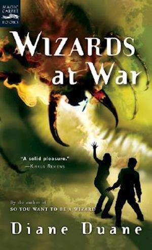 Bog, paperback Wizards at War af Diane Duane