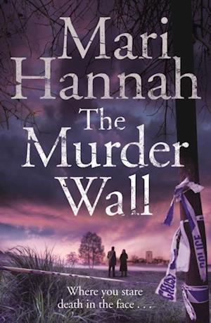 Murder Wall af Mari Hannah