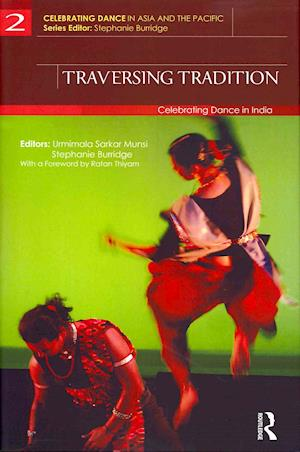 Traversing Tradition af Urmimala Sarkar Munsi, Stephanie Burridge