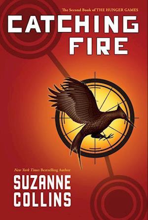 Bog, hardback Catching Fire af Suzanne Collins