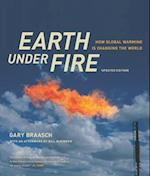 Earth Under Fire af Gary Braasch
