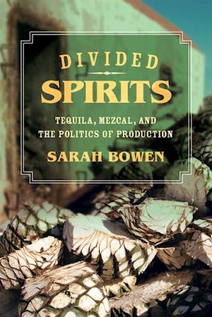 Divided Spirits af Sarah Bowen