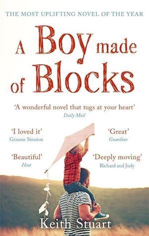 Bog, paperback A Boy Made of Blocks af Keith Stuart