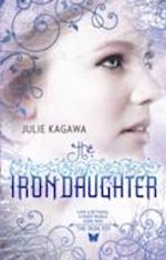 The Iron Daughter (the Iron Fey, Book 2) (MIRA S, nr. 2)