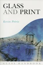 Glass and Print af Kevin Petrie