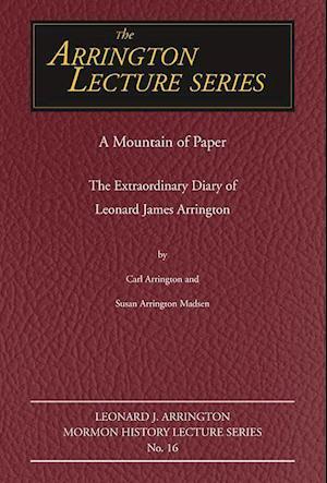 A Mountain of Paper af Carl Arrington