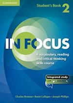 In Focus Level 2 Student's book with online resources af Charles Browne