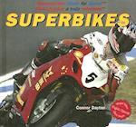 Superbikes af Connor Dayton