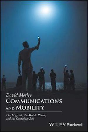 Bog, paperback Communications and Mobility af David Morley