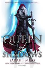 Queen of Shadows af Sarah J. Maas