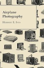 Airplane Photography af Herbert E. Ives