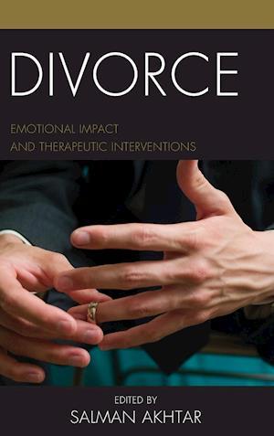 Bog, hardback Divorce af Salman Akhtar