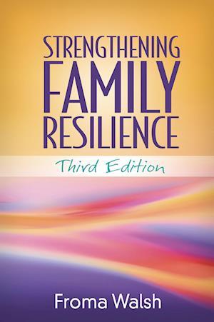 Bog, paperback Strengthening Family Resilience af Froma Walsh