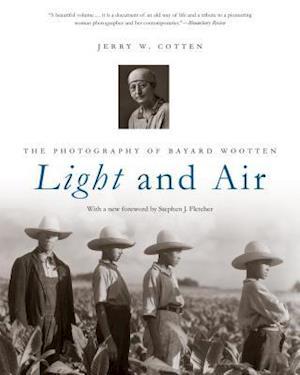Bog, paperback Light and Air af Jerry W. Cotten