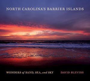 Bog, hardback North Carolina's Barrier Islands af David Blevins