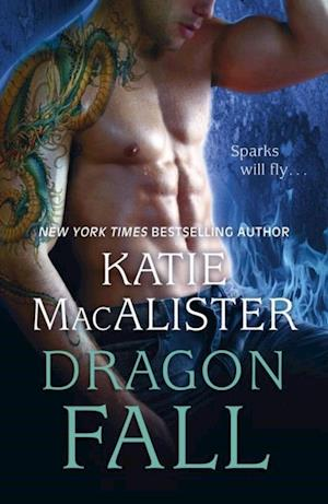 Dragon Fall (Dragon Fall Book One) af Katie Macalister