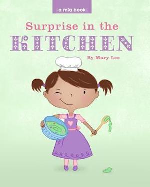 Bog, paperback Surprise in the Kitchen af Mary Lee