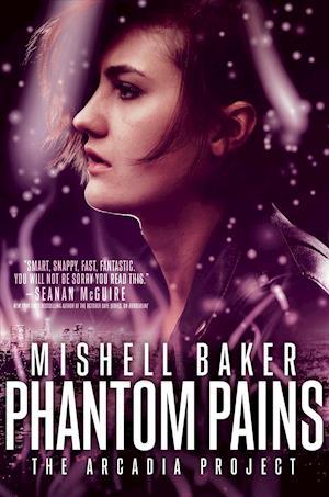 Bog, hardback Phantom Pains af Mishell Baker
