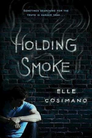 Bog, paperback Holding Smoke af Elle Cosimano