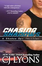 Chasing Shadows af CJ Lyons