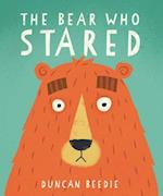 The Bear Who Stared af Duncan Beedie