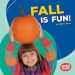 Fall Is Fun! (Bumba Books Season Fun)
