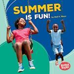 Summer Is Fun! (Bumba Books Season Fun)