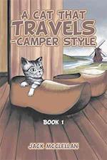 A Cat That Travels - Camper Style af Jack Mcclellan