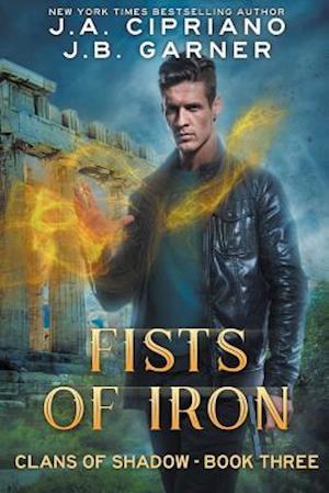 Bog, paperback Fists of Iron af J. B. Garner, J. a. Cipriano