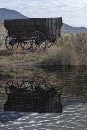 Bog, paperback An Old West Wagon Reflected on the Pond af Unique Journal