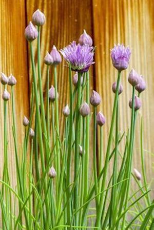 Bog, paperback Purple Chime Blooms by the Garden Fence af Unique Journal