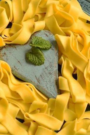 Bog, paperback Tagliatelle Pasta in a Heart Shaped Plate af Unique Journal