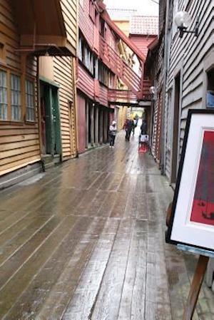 Bog, paperback A Wood Street in Bergen, Norway af Unique Journal