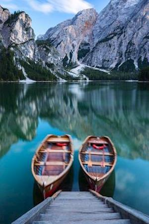 Bog, paperback Boats on Braies Lake (Pragger Wildsee) Dolomite Mountains Italy Journal af Cs Creations