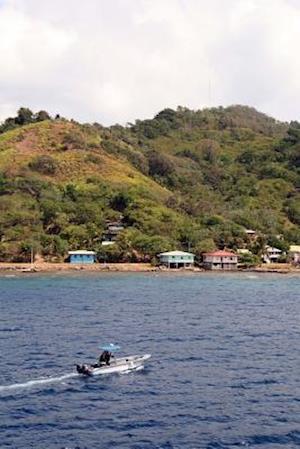 Bog, paperback Boat Off the Coast of Roatan Honduras Journal af Cool Image
