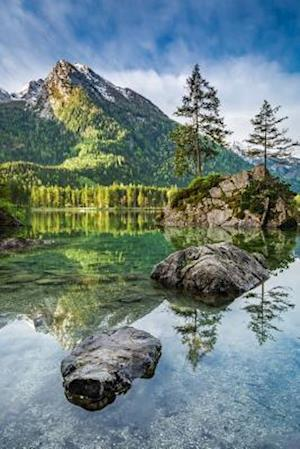 Bog, paperback A Lovely Early Morning at Hintersee Lake in the German Alps Journal af Cs Creations