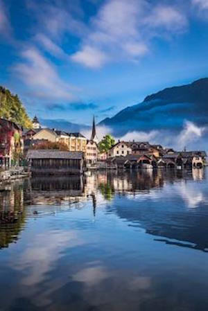 Bog, paperback Dawn at Hallstatt Lake in Austria Journal af Cs Creations