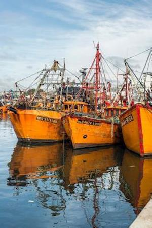 Bog, paperback Orange Fishing Boats in Mar del Plata Argentina Journal af Cs Creations