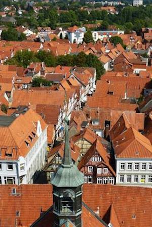 Bog, paperback Aerial View of the Red Rooftops of the Town of Celle in Saxony, Germany af Unique Journal