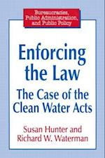 Enforcing the Law af Susan Hunter