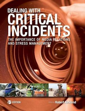 Bog, paperback Dealing with Critical Incidents