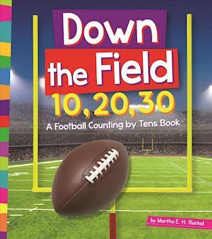 Bog, paperback Down the Field 10, 20, 30 af Martha E. H. Rustad