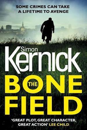 Bog, hardback The Bone Field af Simon Kernick