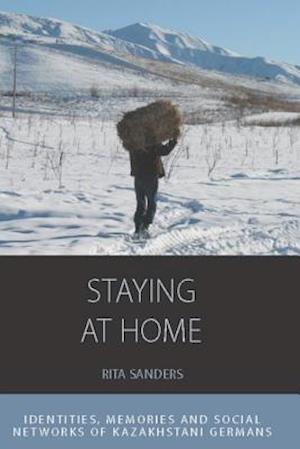 Staying at Home af Rita Sanders