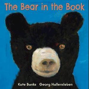 The Bear in the Book af Georg Hallensleben