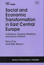 Social and Economic Transformation in East Central Europe af Terry Cox
