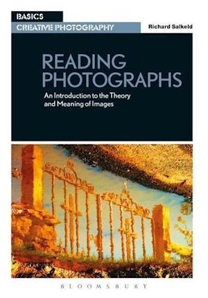 Reading Photographs af Richard Salkeld