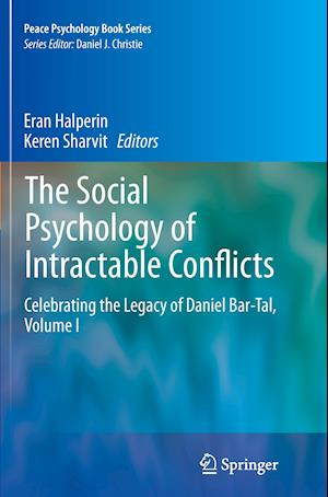 Bog, paperback The Social Psychology of Intractable Conflicts af Eran Halperin